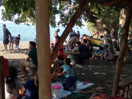 Liburan Murah Meriah Pantai Umeanyar