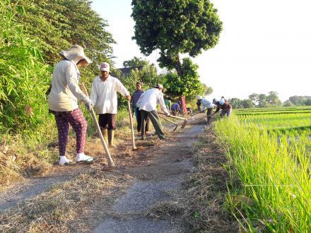 Tahap I Rabat Beton Jalan Usaha Tani Banjar Dinas Kundalini Desa Umeanyar