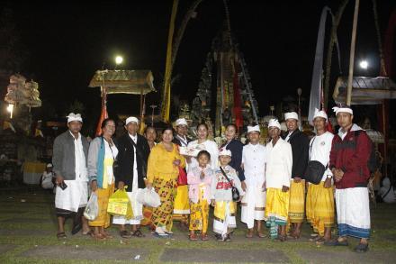 Ngaturang Penganyar ke Pura Mandhara Giri Semeru Agung - Lumajang