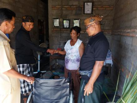 Penyerahan Bantuan Penyandang Disabilitas dari Dinas Sosial Kabupaten Buleleng