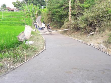 Betonisasi Jalan Usaha Tani Rampung 100%