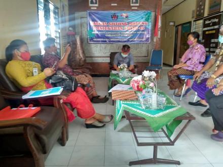 Kunjungan dari Dinas Kesehatan Kabupaten Buleleng, terkait pembentukan KKM di Desa Umeanyar.